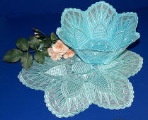 Bowl 4 Lg. Freestanding Lace