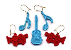 freestanding lace musical jewelry